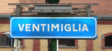Confinati a Ventimiglia: testimonianze da dove finisce l'Italia (e l'Europa)