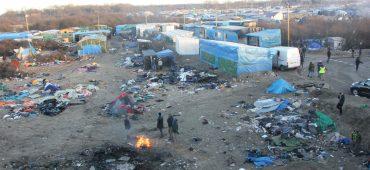 La lunga attesa di Calais: la situazione spiegata in dati e numeri dal Refugee Rights Data Project