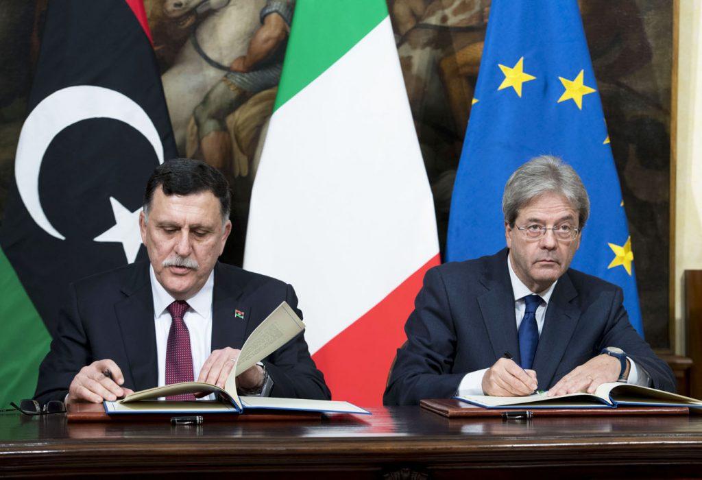 Foto: l'incontro tra il Primo Ministro libico Fayez al-Sarraj ed il premier italiano Gentiloni.