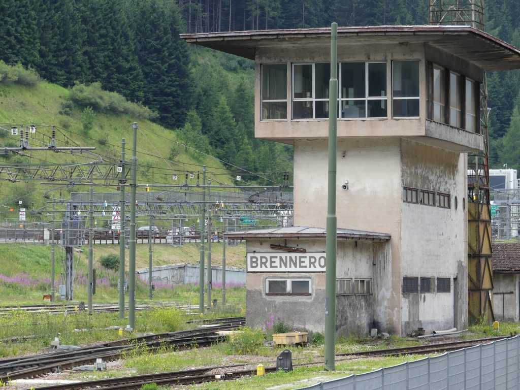 Alla stazione ferroviaria del Brennero (foto: Michele Luppi)