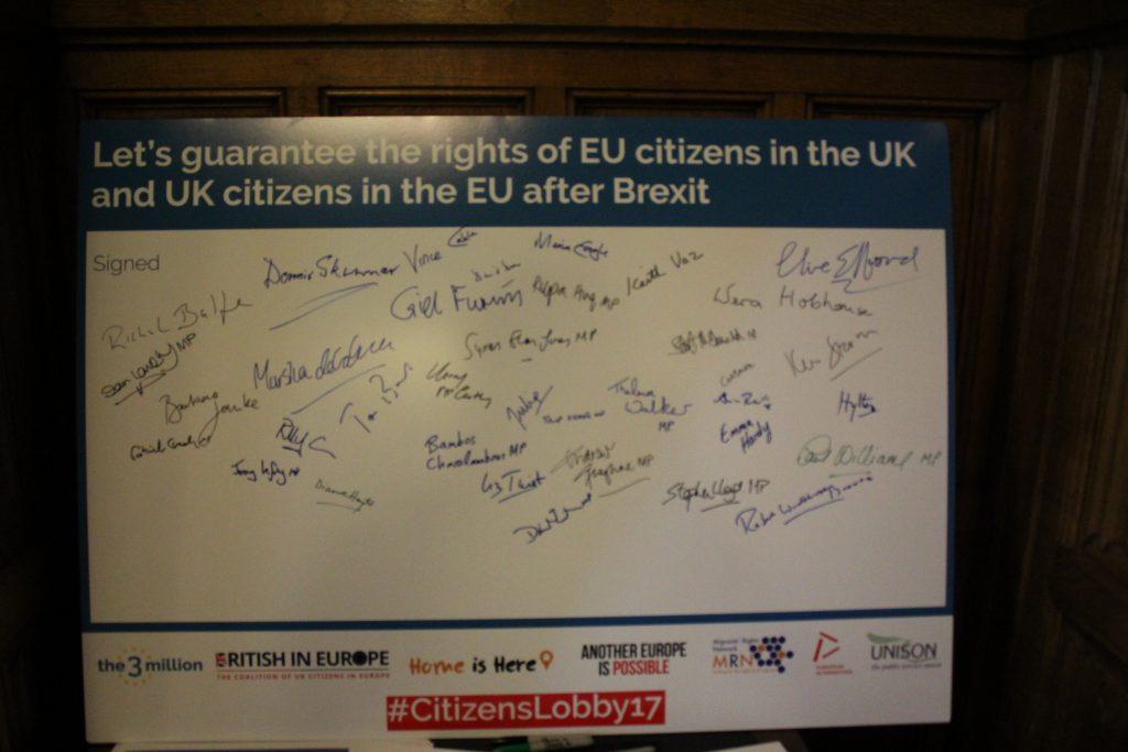 Le firme di parlamentari britannici per garantire i diritti dei cittadini UE nel Regno Unito e quelli dei cittadini britannici nella Unione Europea (foto: Angelo Boccato)