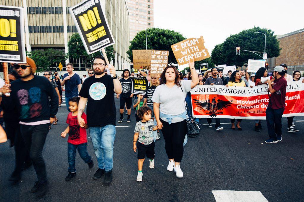Manifestazione per la difesa del DACA a Los Angeles, 5 settembre 2017, (foto: Molly Adams CC BY 2.0)