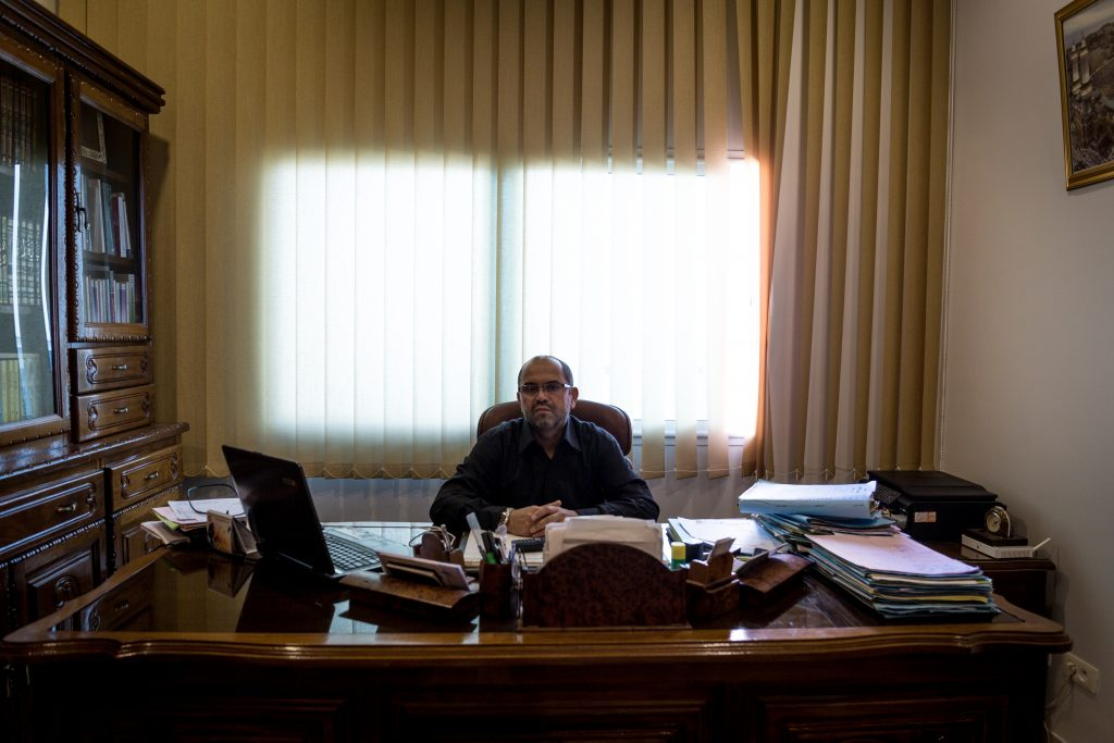Avvocato Mohamed Wajdi Aydi di Sfax - collabora con Terre d'Asile e fino a giugno faceva parte del consiglio comunale prima che si sciogliesse in attesa di non ben precisate elezioni municipali (foto: Giulia Bertoluzzi)