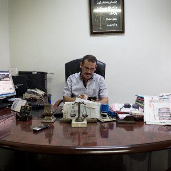 Avvocato Noamen Mvid, presidente LTDH Sfax e del comitato di difesa per le vittime del naufragio 8 ottobre (foto: Giulia Bertoluzzi)