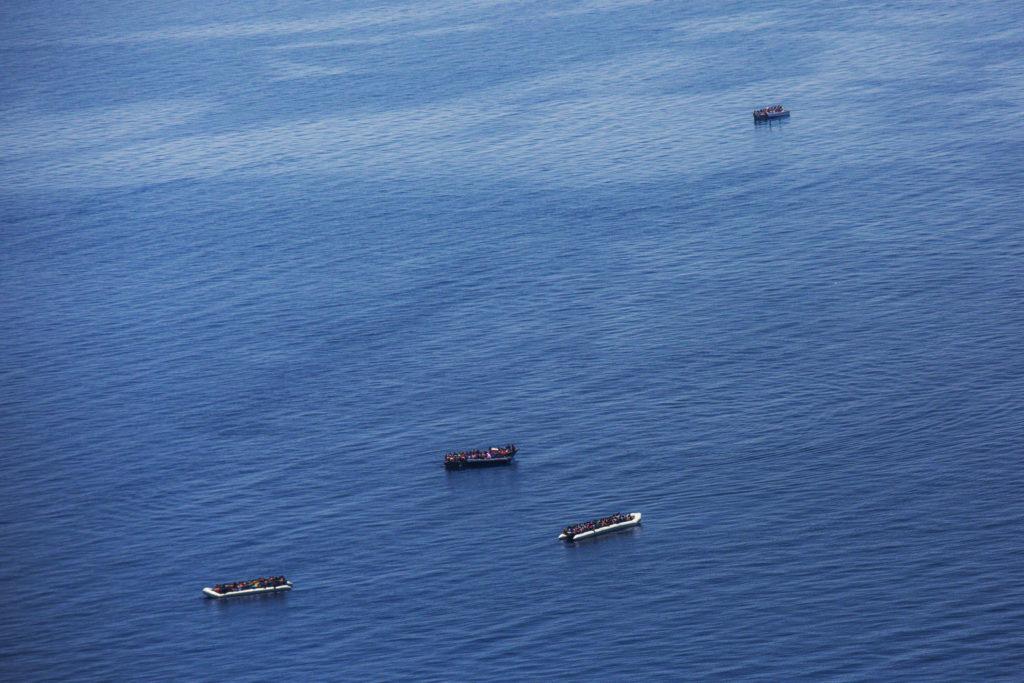 Dal Moonbird, due gommoni e due barche in legno (foto: Alessio Mamo)