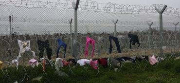 Viaggio a Idomeni, dove si chiede asilo solo via Skype