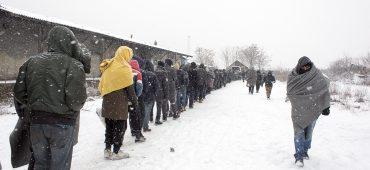 Belgrado, città bianca: l'ultima frontiera dei migranti sotto la neve