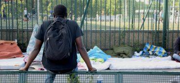 Reception of migrants in Paris crumbles at Porte de la Chapelle