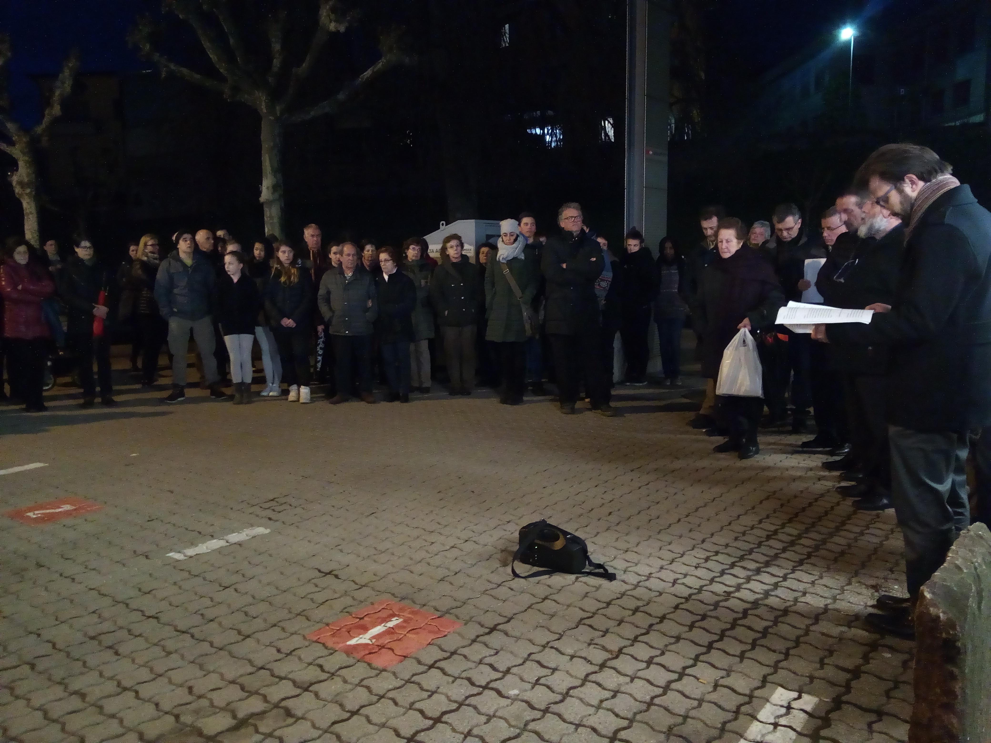 La preghiera per Diakite Yoursouf a Balerna, in Canton Ticino (foto: Michele Luppi)