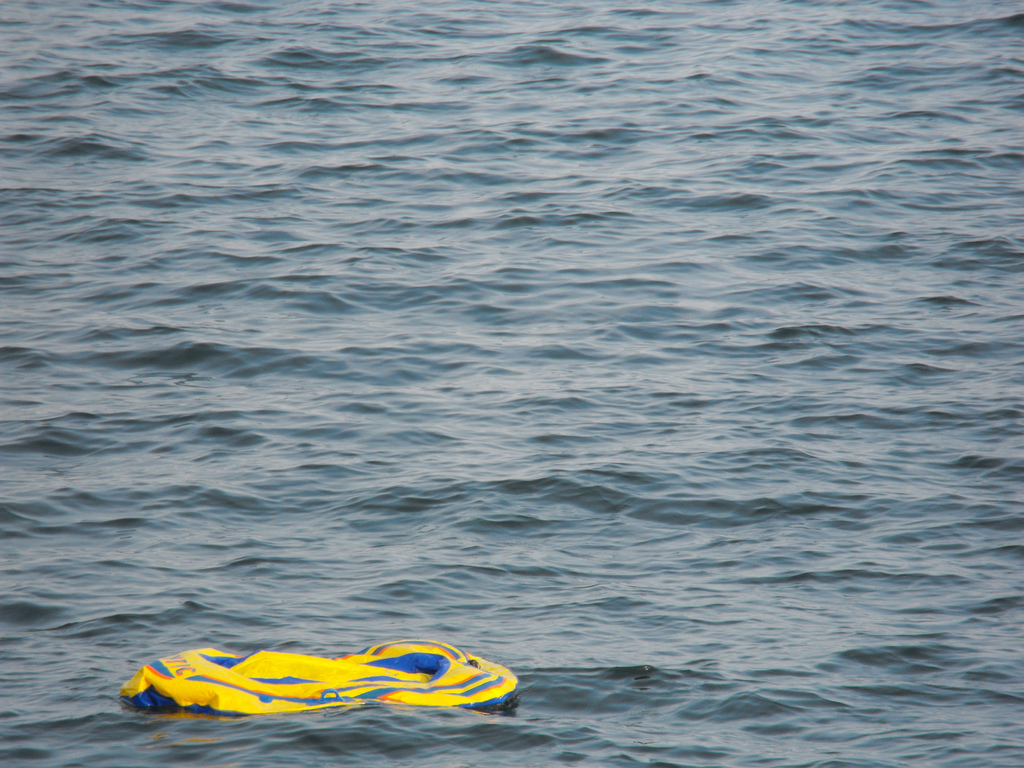 """""""Deflated dinghy"""" (foto: Tiffany Terry CC BY 2.0)"""