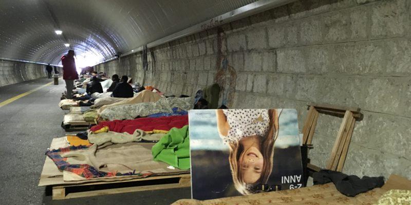 La bora e la vergogna: la vita nel tunnel di Gorizia