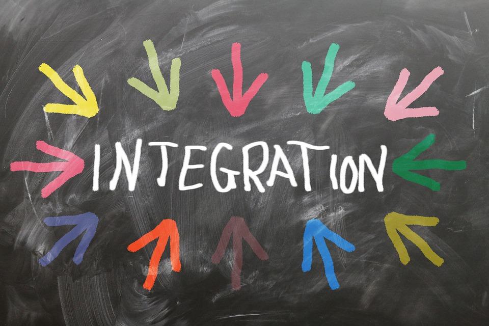 Integration via Pixia
